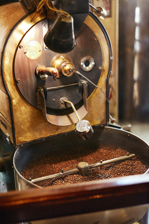 Roasting Coffee Beans In Coffee Shop 스톡 콘텐츠