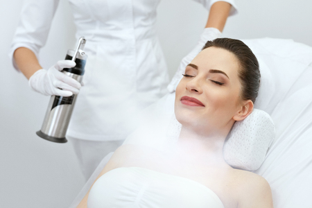 Cosmetology. Woman At Facial Oxygen Cryotherapy At Beauty Centre. Cryo Treatment On Face. High Resolution 版權商用圖片