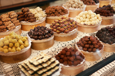 Chocolate Store. Chocolate Sweets On Shelves In Shop. Handmade Candies In Workshop. High Resolution Foto de archivo - 108329413