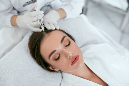 Mesotherapy For Hair Growth. Woman Receiving Injection In Head, Hair Loss Treatment. High Resolution Standard-Bild - 115069389