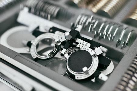 Medizinische Geräte für die Augenheilkunde. Werkzeuge für Sehprüfung Nahaufnahme, Augendiagnoseinstrumente Hohe Auflösung