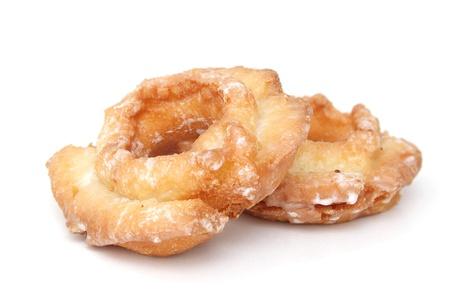 白い背景に分離された 2 つのドーナツ