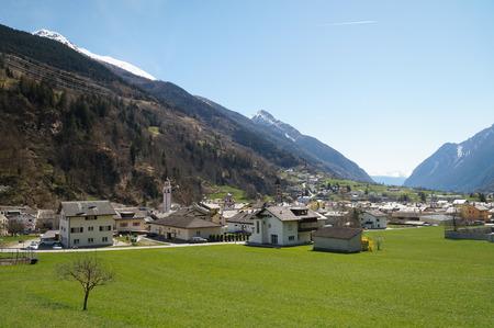 treno espresso: Bellissimo il panorama dalla Svizzera a Tirano in Italia in treno Bernina Express