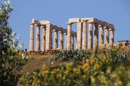 templo griego: Famoso templo griego Poseidón, Cabo Sunion en Grecia Editorial