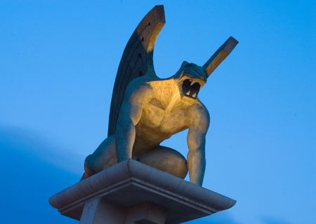 gremlin: gargoyle at night