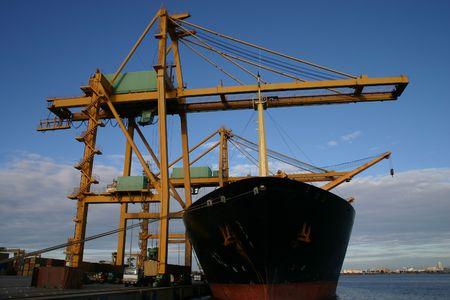 construction navale: Grues de portique et navires porte-conteneurs 2