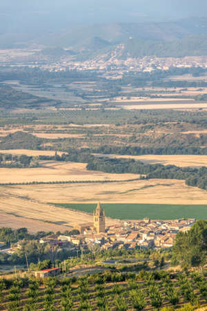 Loarre, Aragon, Panoramic views Huesca, Spain from top the village, Castle of Loarre Standard-Bild