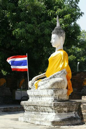 budda: White budda in thailand