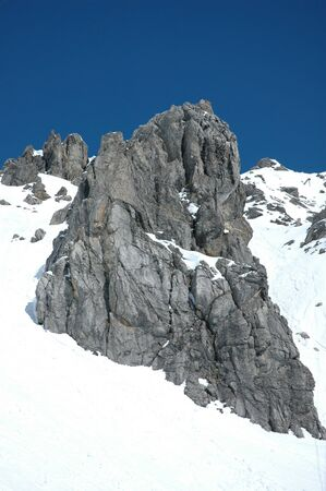wintersport: Snow-covered Rock