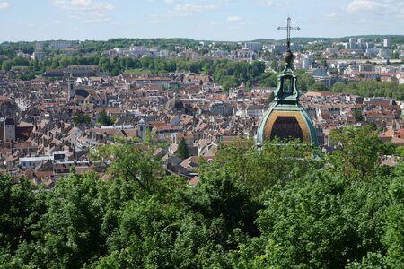 Luftbild von Besancon, Frankreich Standard-Bild - 81835621