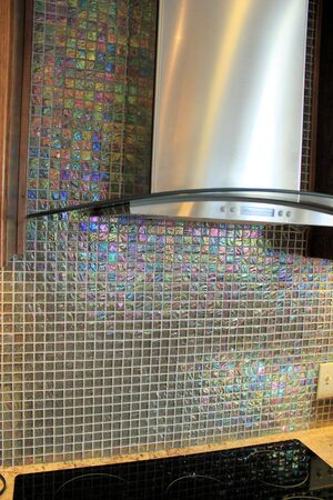countertops: Reflective glass tiles for the modern kitchen