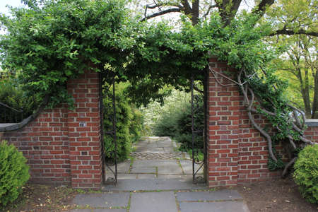 Brick gateway in New England Stock fotó - 29537031