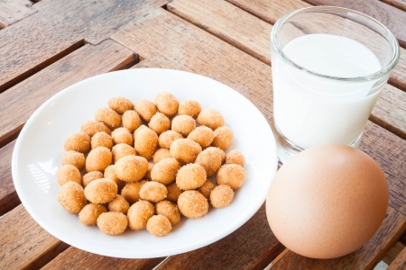 Protein nutrients of peanut ,milk and egg photo