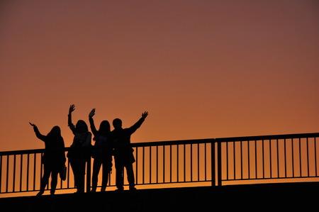 Silhouette auf Wiedersehen, Frankreich Standard-Bild - 29605137