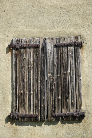 a window, Perouges