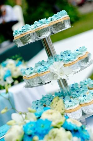 cake tier: Wedding cupcakes