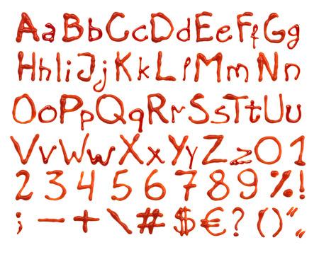 jarabe: letras de salsa de tomate, números y signos, aislados en fondo blanco Foto de archivo