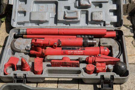 Hydraulic strut special tool in a box. Hydraulic body-frame repair kit