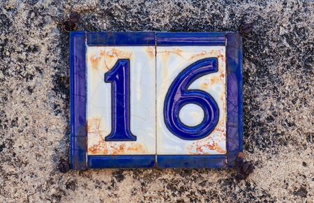 House number 16 Imagens
