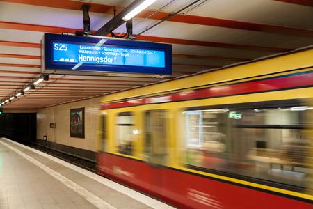 S Bahn Berlin 写真素材 - 123871766