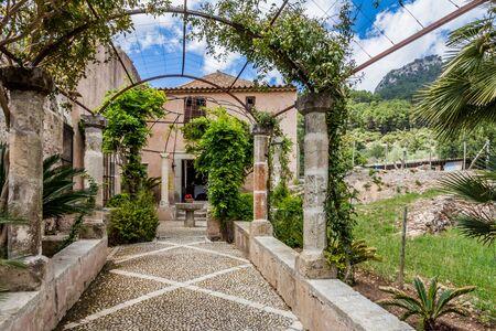 The Garden of the Jardines de Alfabia Imagens - 131100059
