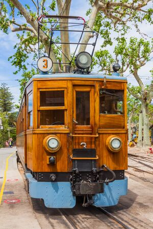 The vintage train from Soller to Palma de Mallorca Imagens - 131100197