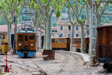 The vintage train from Soller to Palma de Mallorca Imagens - 131100192