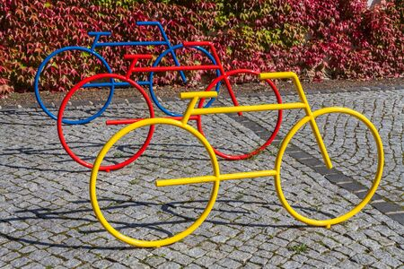 Colorful bicycle statues as stand Imagens - 131100239