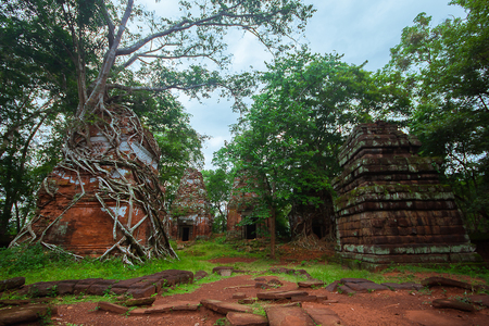 Koh Ker, an ancient castle which is the territory of the past Фото со стока - 122018184