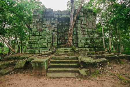 Koh Ker, an ancient castle which is the territory of the past