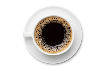 caffè nero in tazza di ceramica bianca, vista dall'alto isolato su sfondo bianco. Archivio Fotografico