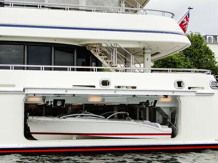 super yacht: navi barca di un'immagine super yacht preso a Copenaghen