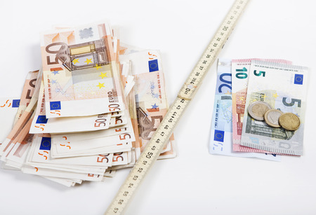 the folding rule between poverty and wealth goes further apart, illustrated with euros