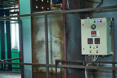 metal door painting shop, production of wooden metal doors