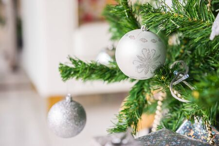 Christmas tree decor close up Imagens - 131768617