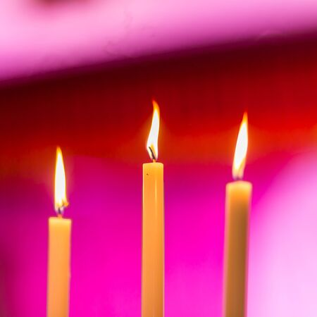 Candle light glowing in wedding ceremony Imagens - 131768671