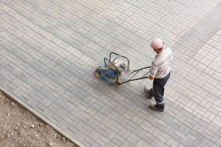 The process of laying pavement decorative brick, top view. 스톡 콘텐츠