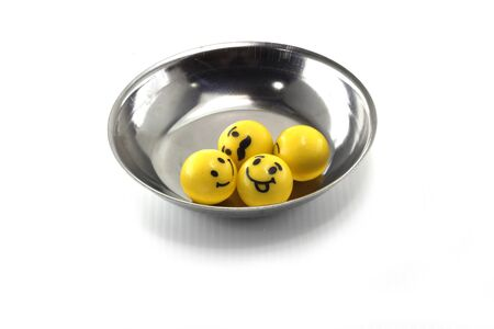aluminium: emotion ball gum in aluminium bowl
