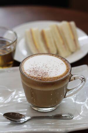 capuchino: hot capuchino coffee
