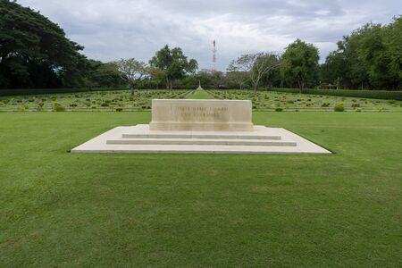 Allied Cemetery, Mueang Kanchanaburi District, Kanchanaburi, Thailand - 5 December 2016 스톡 콘텐츠