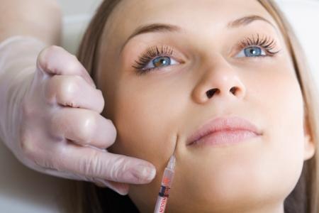 botox ou l'injection d'acide hyaluronique Banque d'images