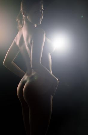 girl sexy nude: chica desnuda sexy en negro Foto de archivo