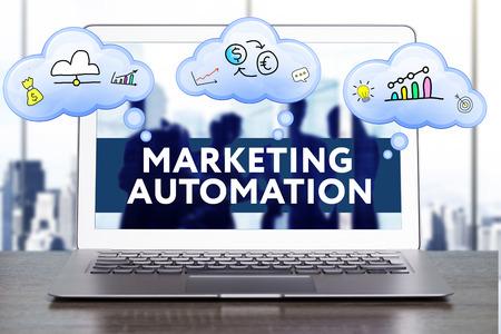マーケティング戦略。戦略コンセプトを計画します。ビジネス、技術、インターネット、ネットワークのコンセプトです。マーケティング オートメ