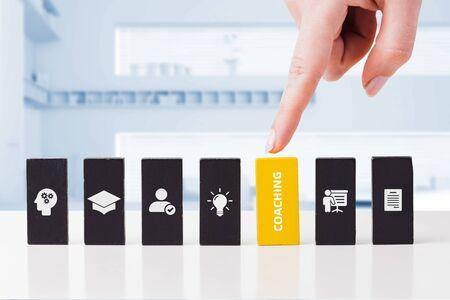 Concepto de negocio, tecnología, Internet y red. Coaching mentoring educación desarrollo de formación empresarial concepto de e-learning.