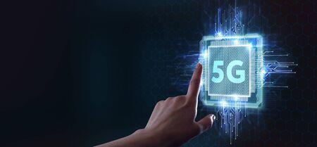 Das Konzept des 5G-Netzes, des mobilen Hochgeschwindigkeitsinternets, der Netze der neuen Generation. Business, moderne Technologie, Internet und Netzwerkkonzept. Standard-Bild