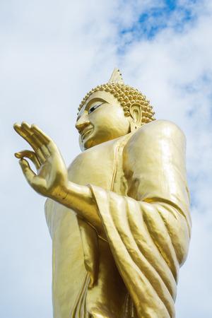 tremendous: Huge  golden of Buddha statue
