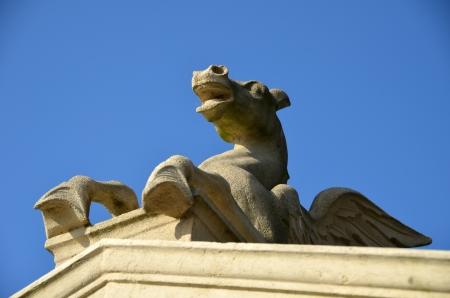 Teil einer Pegasus-Skulptur aus Sandstein Lizenzfreie Bilder