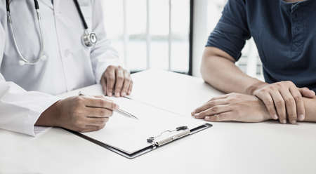 Doctor is currently diagnosing the disease and giving advice to psychiatric patients, Health analysis and consultation and treatment concept.