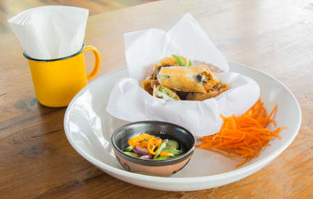appetize: Spring roll.