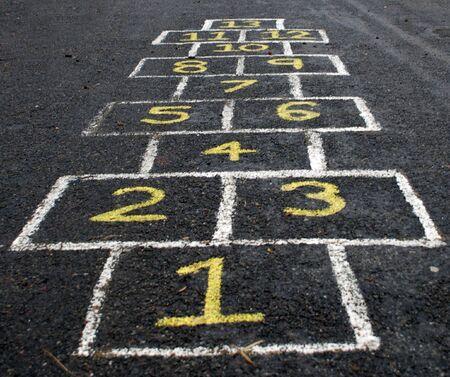 Een traditionele Europese kind Hopscotch spel